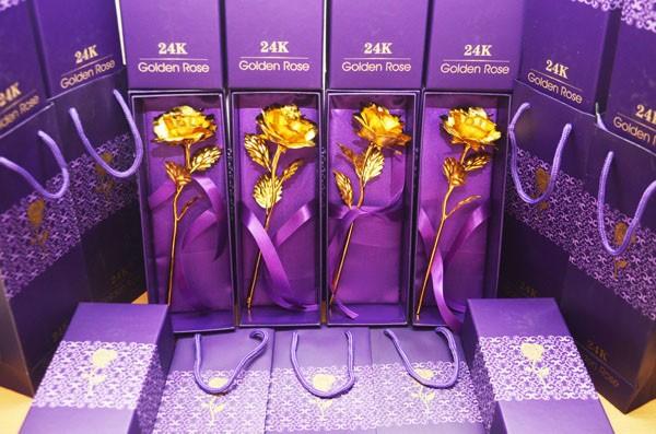 Hoa hồng mạ vàng 24k
